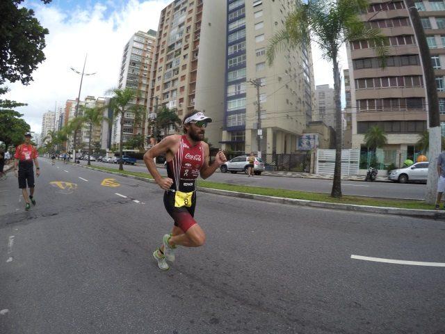 Tim Don at Santos International triathlon in Brazil, running in On Cloudracer shoes