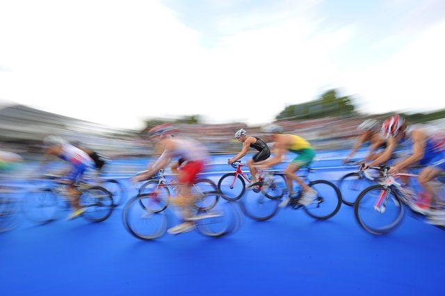 Drafting allowed on the bike as elites race ITU World Triathlon Series