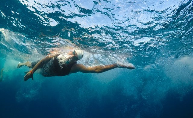 IRONMAN World Championship - Kona - under water - photo Hugh Gentry