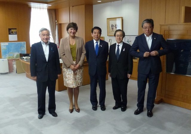Marisol Casado pictured with JTU leadership and Minister in Japan - photo ITU Media