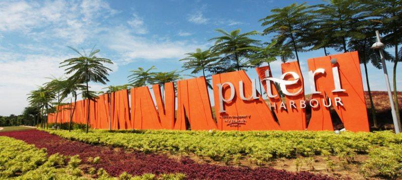 Puteri Harbour Marina welcoming sign