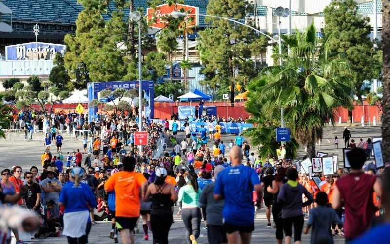 LA Marathon runners logo