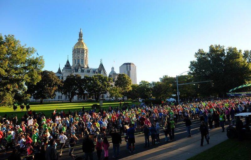 Eversource Hartford Half Marathon runners