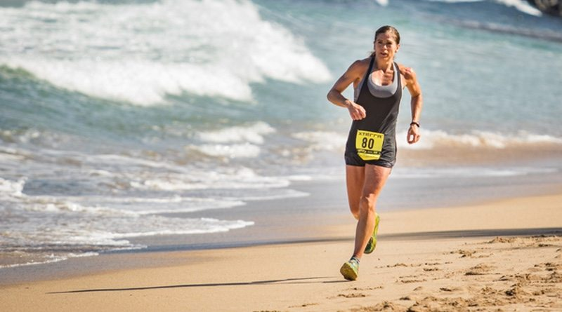 xterra-trail-runner-on-the-beach