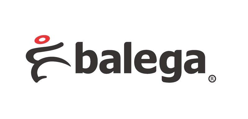 big sale d1f16 63b4c Balega presents 2016 Ubuntu Award to Naperville Running ...