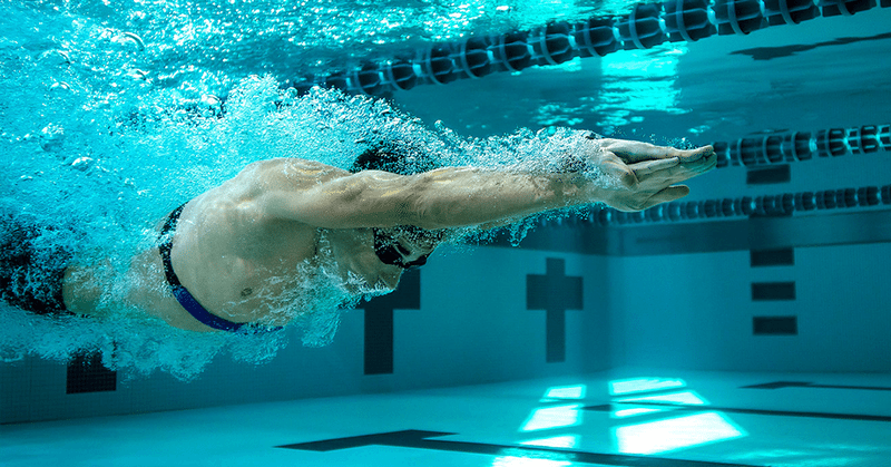 Speedo athlete in the pool with Garmin