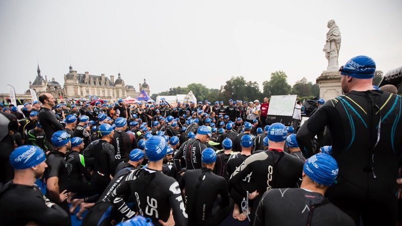 Swim start at Chateau de Chantilly Triathlon