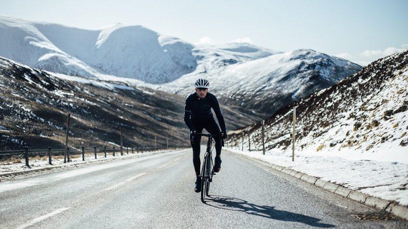 Endura - Walter Hamilton rides in Cairngorms