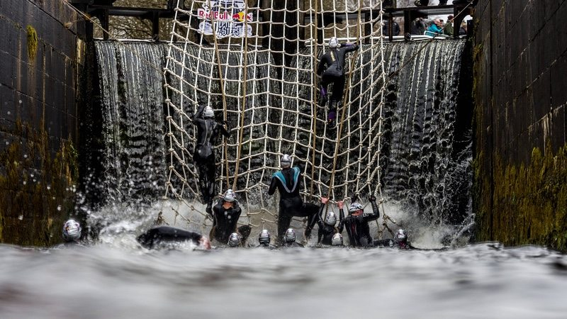 Participants compete at Red Bull Neptune Steps in Glasgow, UK, on March 18, 2017 - photo Olaf Pignataro/Red Bull Content Pool