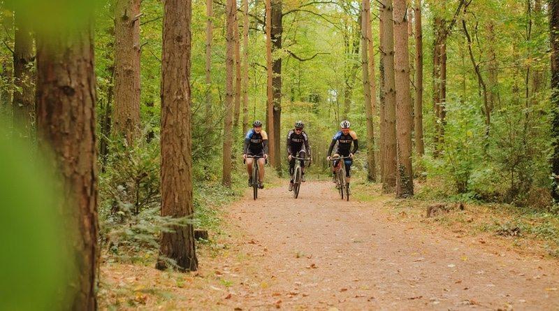 Bike24 riders - photo credit Bike24.com