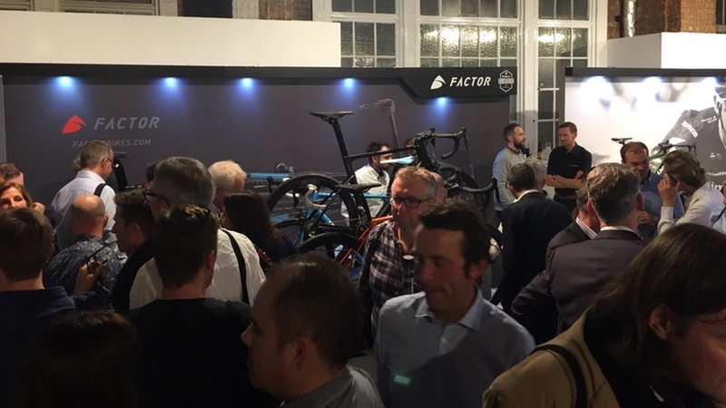 Rouleur Classic - Factor Bikes stand