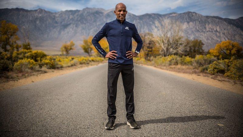 Arenoso Chispa  chispear átomo  Skechers unveils Meb Keflezighi race kit for pro athlete's final  competitive marathon - endurance.biz