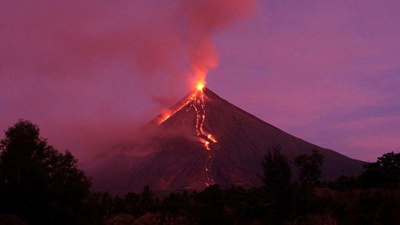 Mayon volcano eruption postpones XTERRA Albay in the Philippines - photo XTERRA
