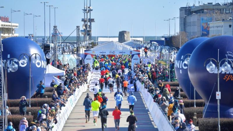 ONICO Gdynia Half Marathon 2018 runners